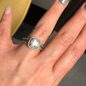 jeulia Jewelry - Engagement Ring